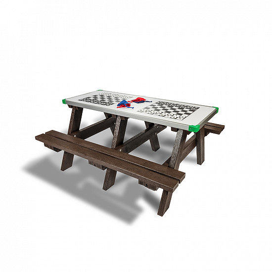 Game Picnic TableGame Picnic Table