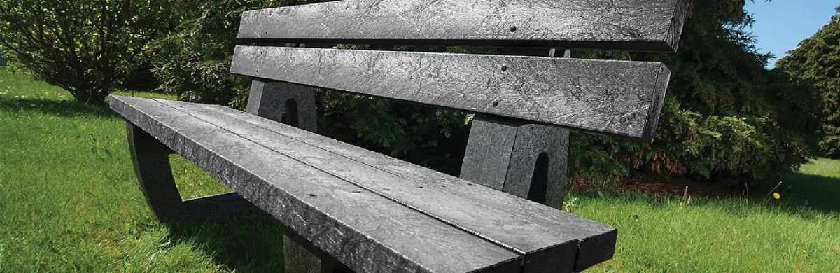 Wood-effect benches by Amberol